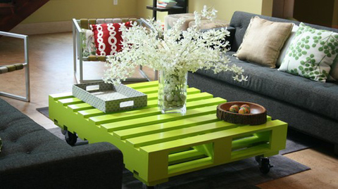 green-pallet-coffee-table