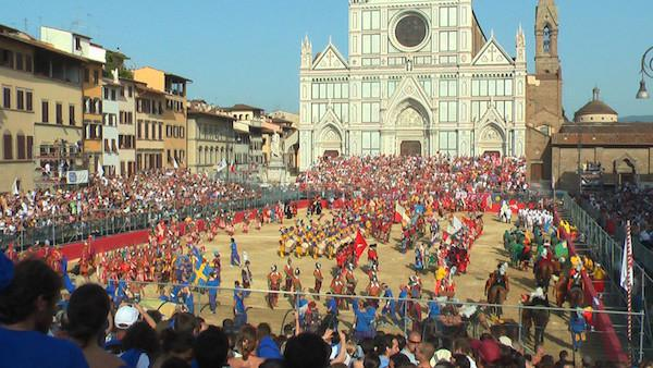calcio-storico-might-be-the-most-brutal-sport-on-the-planet-31-photos-video-25